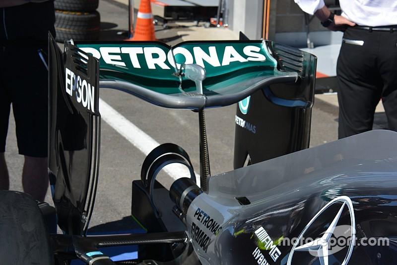 Технічний брифінг: ложкоподібне заднє крило Mercedes