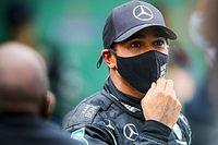 """Hamilton wint ondanks krampen: """"Moest liften van de pijn"""""""