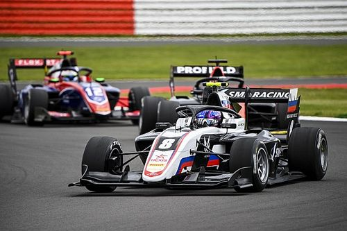 Silverstone F3: Smolyar gets first win, disaster for Piastri