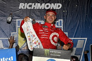 NASCAR Cup Relato da corrida Larson fecha primeira fase da Cup com vitória em Richmond
