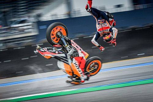 Marquez escapes injury after Thailand crash