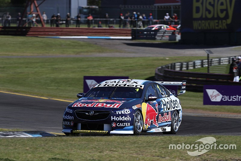 Sandown 500: Dumbrell hands early advantage to Triple Eight