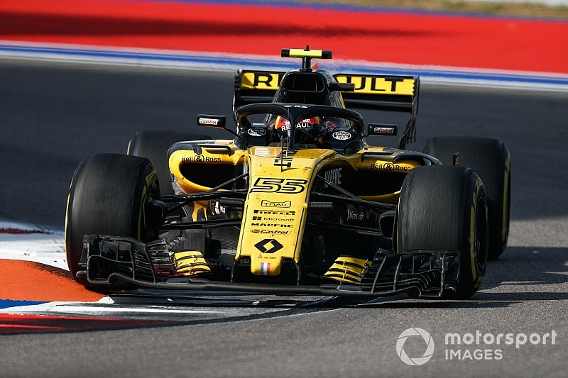 Sainz blames Sirotkin clash for ruining his race