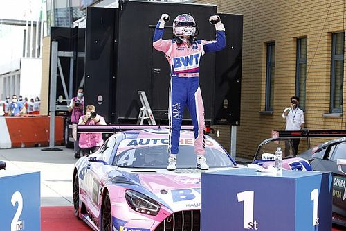 Götz et Mercedes profitent de la malchance de Van der Linde