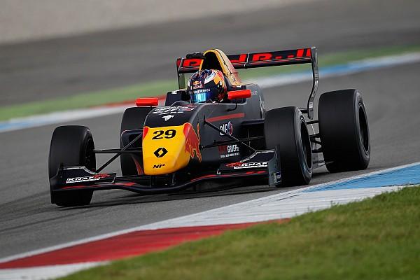 """Formule Renault Nieuws Verschoor spreekt van 'mentaal zwaar' jaar: """"Kan slecht tegen mijn verlies"""""""