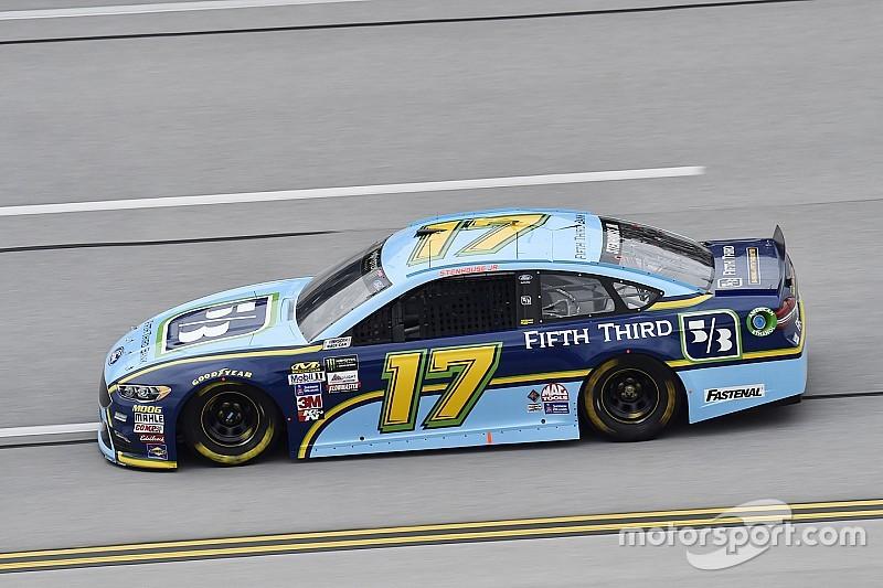 Stenhouse gana su primera carrera de la Cup de NASCAR