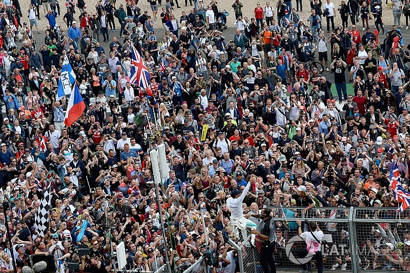 Britanya GP'sini 344 bin biletli seyirci izlemiş