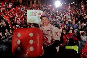 MotoGP Nieuws In beeld: Hoe Marc Marquez werd gehuldigd in Cervera