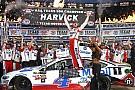 Harvick entreißt Truex Jr. Texas-Sieg und löst NASCAR-Finalticket