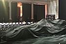 Formula 1 Renault R.S.17: cosa si nasconde sotto al telo?