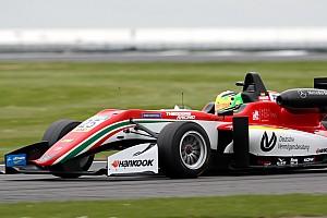 Євро Ф3 Репортаж з гонки Євро Ф3 у Сільверстоуні: Шумахер через контакт зіпсував собі гонку №3