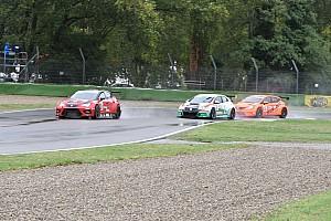 TCR Italia Gara Nicola Baldan trionfa in Gara 2 sotto il diluvio di Imola