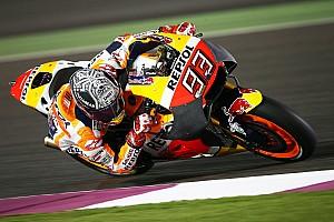 MotoGP Test Test Qatar, Day 1: Marquez cade con la nuova carena, Dovi vola alle 21