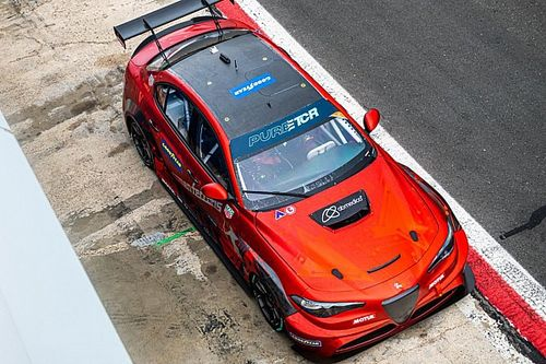 Oliver Webb ha provato l'Alfa Giulia ETCR a Vallelunga