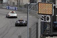 """A hivatalos F1-es biztonsági autóra is felkerült a """"szivárvány"""""""