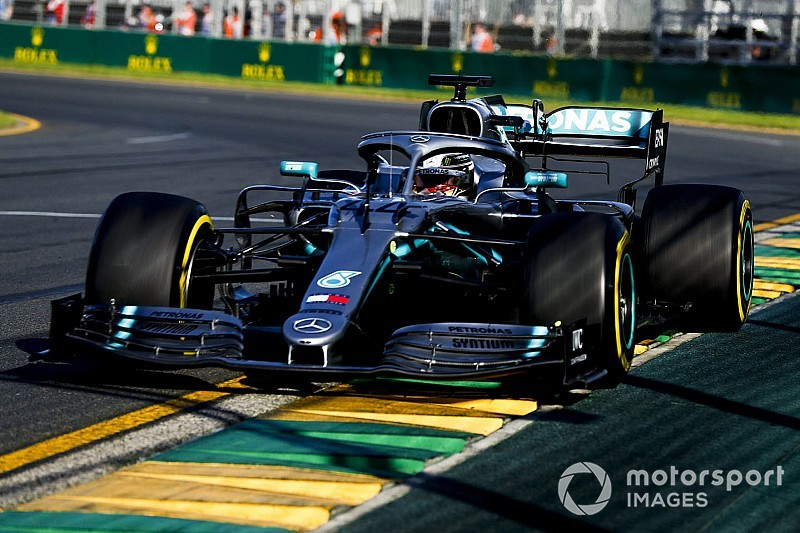 Australian GP: Hamilton beats Vettel to top FP3