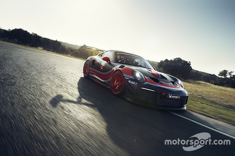 Уэббер опробует в Батерсте уникальную модель Porsche