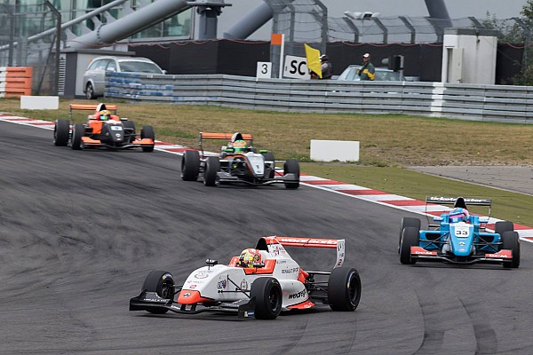 Formula Renault Nurburgring NEC: Shwartzman takes maiden win, Norris extends lead
