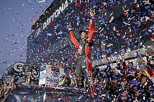 NASCAR Cup Gara Kurt Busch vince la Daytona 500 all'ultimo giro
