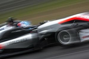 Евро Ф3 Отчет о гонке Хьюз выиграл вторую гонку Ф3 на «Нюрбургринге»