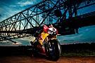 Fotoshooting: Honda-Superbike trifft größte Maschine der Welt