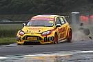 BTCC BTCC-rijder Davenport  in coma na zwaar ongeluk in kwalificatie