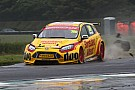 BTCC Nach Massencrash in Croft: BTCC-Fahrer Davenport im Koma