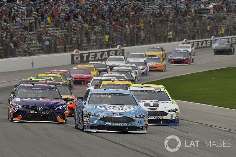 NASCAR admits it should have penalized Harvick at Texas
