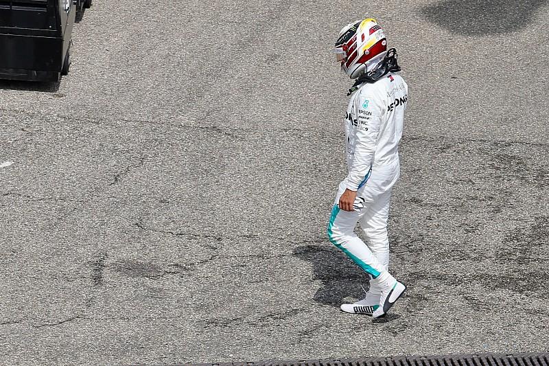 Hamilton drámája, a Mercedes sokkja és Vettel hihetetlen köre: videó