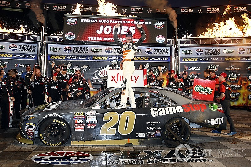Erik Jones completes Texas sweep in NASCAR Xfinity Series