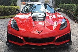 Automotive Breaking news 2019 Chevy Corvette ZR1 owner wants nearly $200,000 for his car