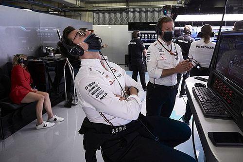 Mercedes, Hamilton'la tek yıllık anlaşma yapmak istemiyor