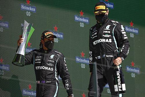 "Hamilton verdedigt Bottas: ""Gun hem wat ruimte"""