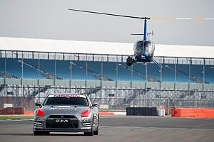 Automotive Breaking news Dikemudikan kontroler game, Nissan GT-R /C melaju 211 kpj di Silverstone