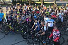 NASCAR drivers lead bike ride to honor Nicky Hayden