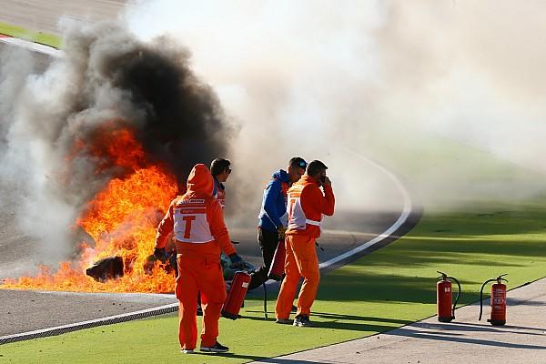 Superbike-WM Heftiger Feuerunfall bei WSBK-Training: Tom Sykes stürzt in Portimao schwer
