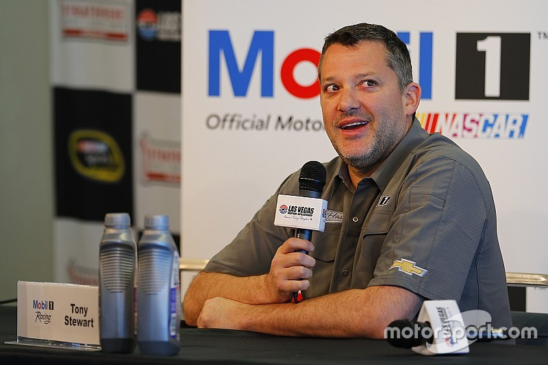 """Tony Stewart cleared to begin rehab program that will """"hasten"""" recovery"""