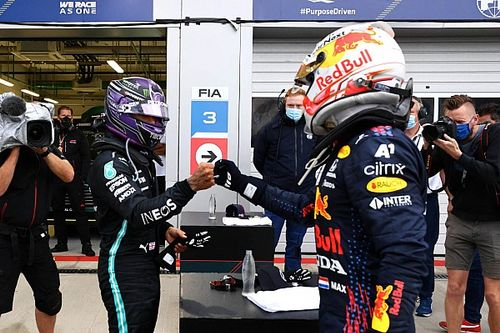 Mercedes Janji Sangat Agresif Hadapi Red Bull