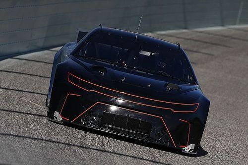 NASCAR demora para 2022 la llegada de su nuevo auto