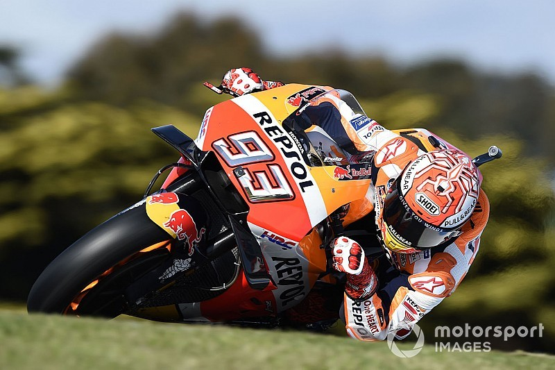 Marquez snelste tijdens gure derde training GP Australië