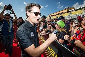 """Jeff Gordon alerta: fãs querem ver pilotos """"verdadeiros"""""""