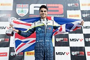 فورمولا 3 الأوروبية أخبار عاجلة إنعام أحمد يختبر سيارة الفورمولا 3 الأوروبيّة مع فريق
