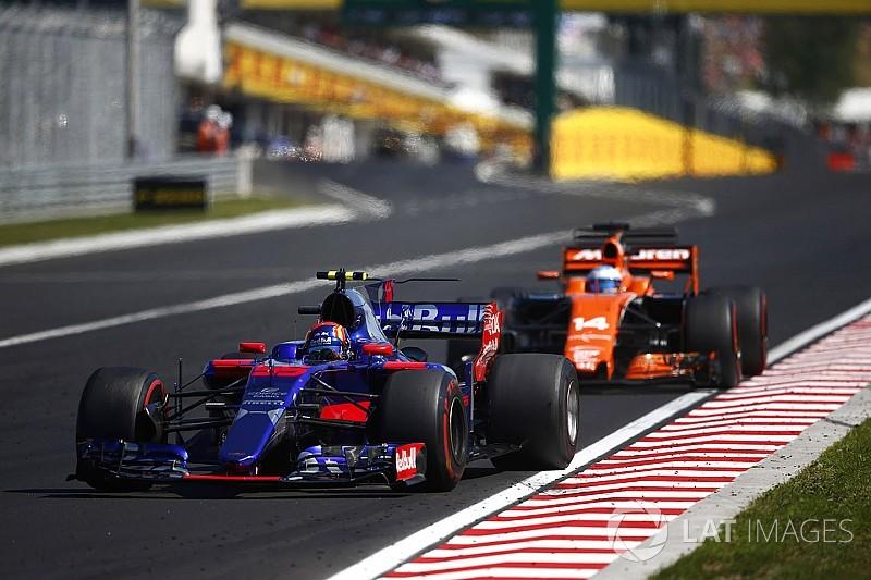 Carlos Sainz destaca el aprendizaje en las batallas contra Alonso