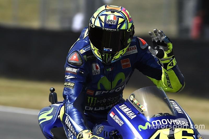 """【MotoGP】モトクロスで負傷のロッシ、""""予想外""""の右腕痛にも苦しむ"""