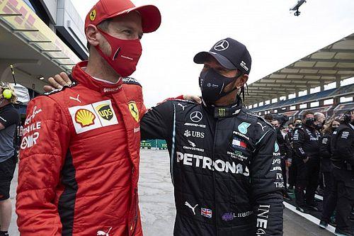 """Hamilton over contact met Ferrari: """"Niet dicht bij deal geweest"""""""