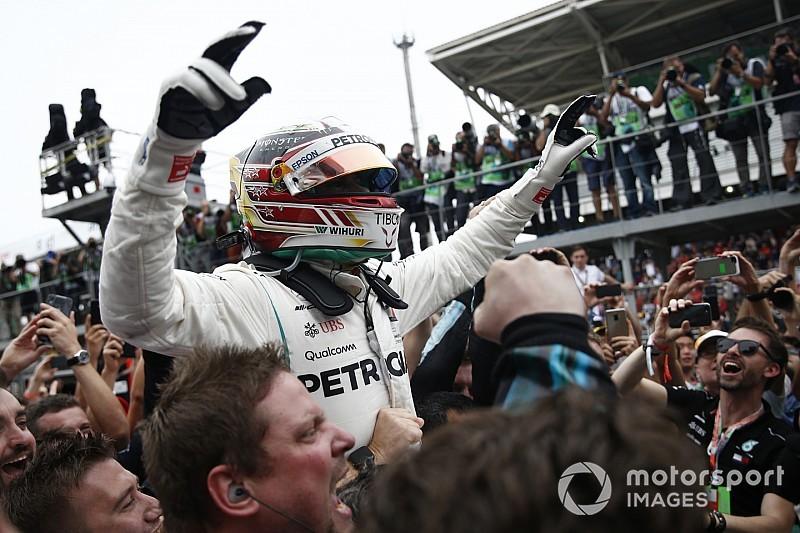 Галерея: Mercedes здобула п'ятий Кубок Конструкторів на Гран Прі Бразилії
