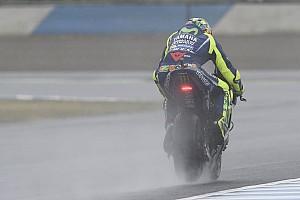 MotoGP 速報ニュース FP4で転倒したロッシ「足の怪我が悪化することなく、幸運だった」