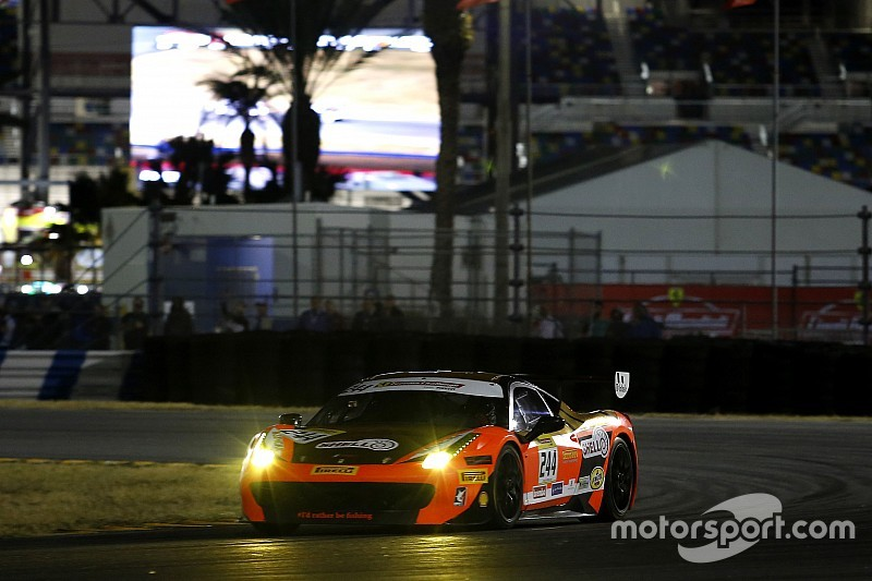 Daytona Ferrari World Finals: Kauffmann takes dramatic Trofeo Pirelli title