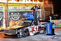 Kyle Busch tops teammate Eckes for Texas Truck Series win