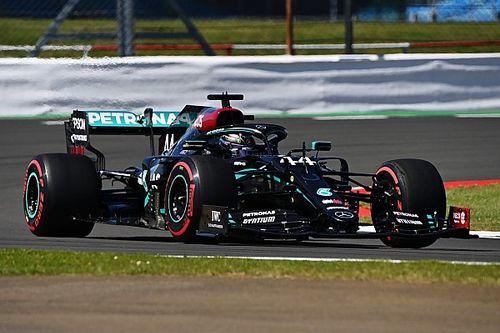 Hamilton cierra con lo mejor el viernes del GP 70° Aniversario